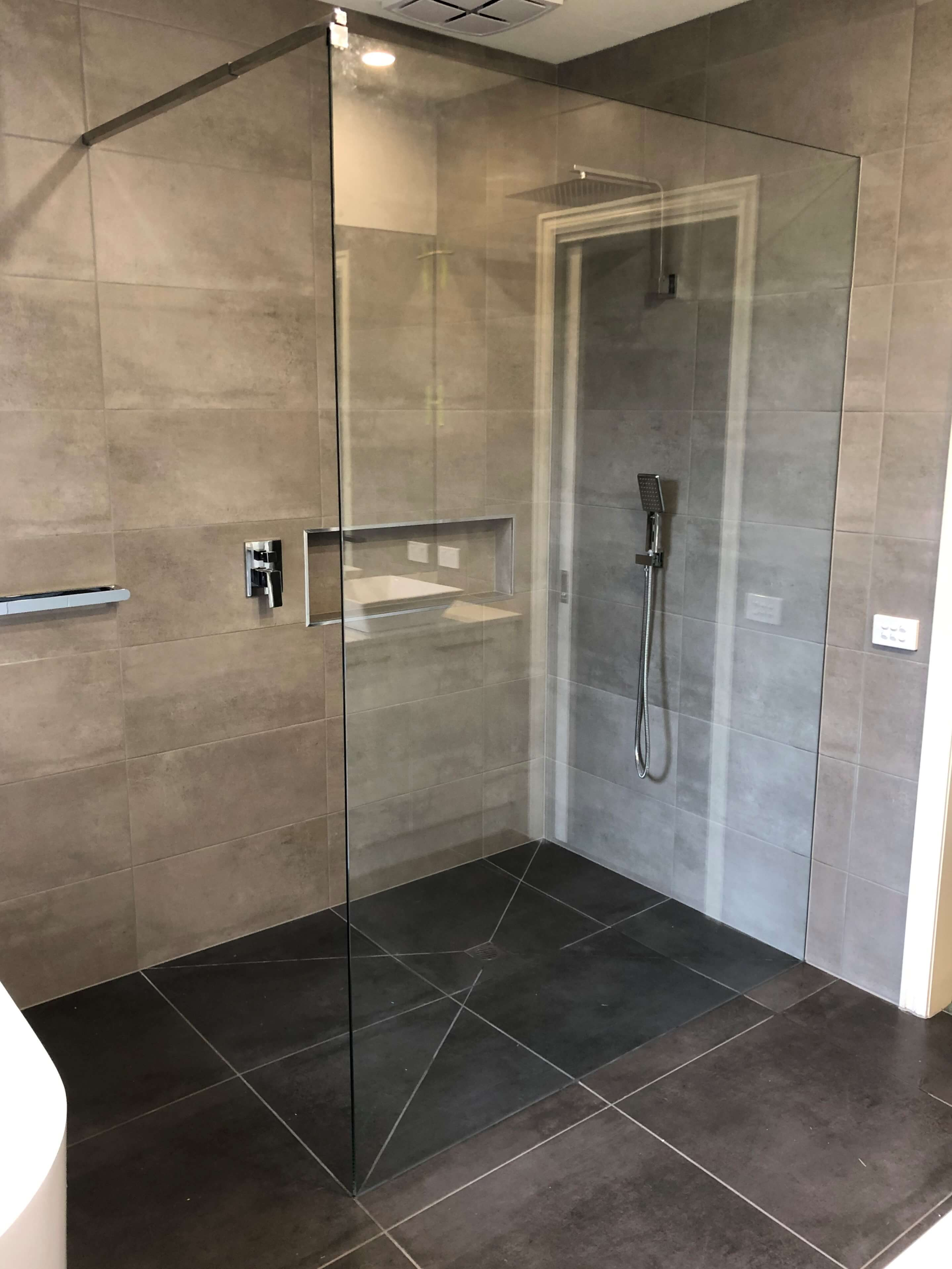 Freestanding Showerscreen Panel with Brace