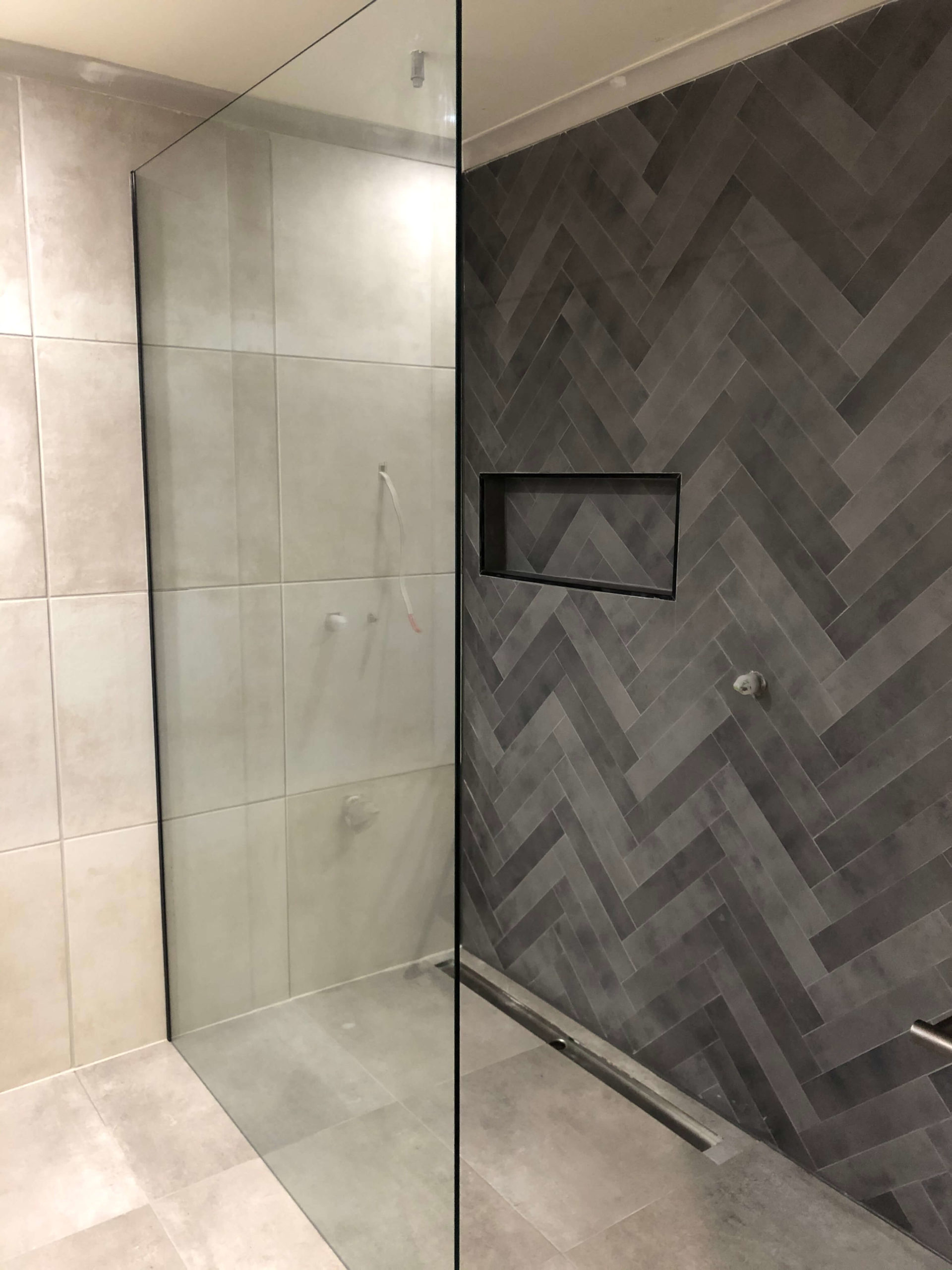 Freestanding Toughened Safety Glass Shower Screen with Black Wall Channel