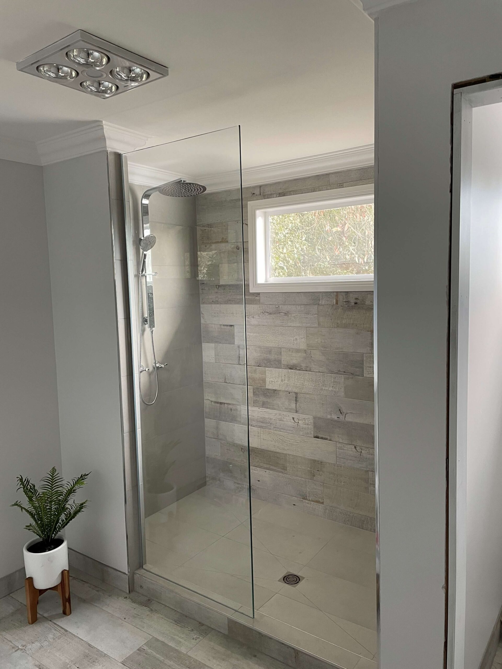 Freestanding Shower Screen Chrome